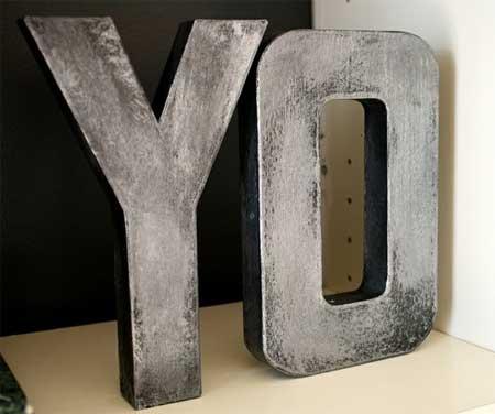 Letras de cartón con aspecto zinc | Bueno, bonito y barato