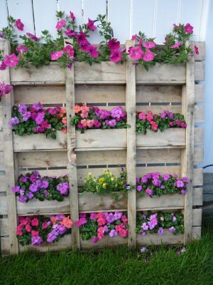 Palets bueno bonito y barato for Jardineras de hormigon baratas
